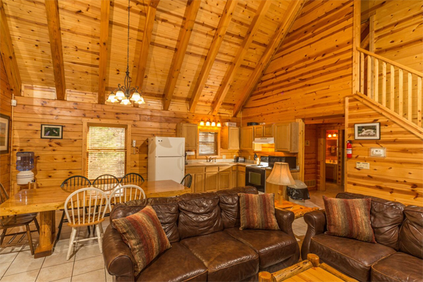 Superbe Hocking Hills Cabin Rentals. CATBIRD CABIN Sleeps 12 4 Bedrooms 2 Full  Baths With Hot Tub Pet Friendly Cabin